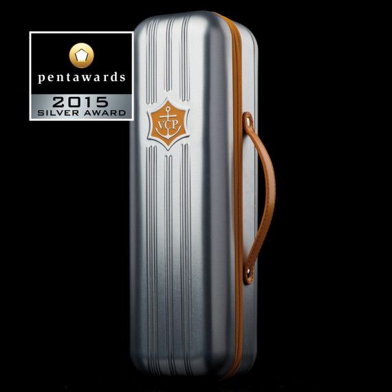 PENTAWARDS-2015-136-SERVAIRE-CLICQUOT-SUITCASE-570x570