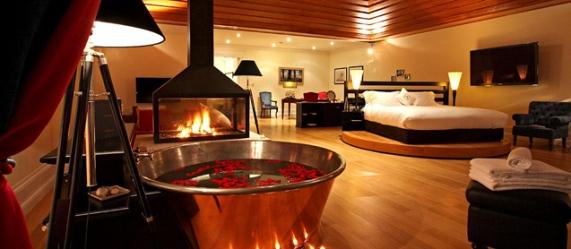 la suite de lujo del Yeatman con cama giratoria