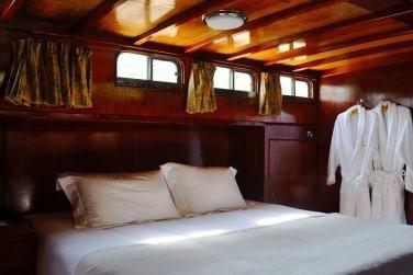 dormir en un barco en el Duero entourismo Porto