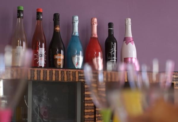 vinos diferentes y originales como el vino azul