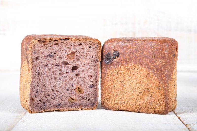 pan de vino elaborado por los hermanos roca